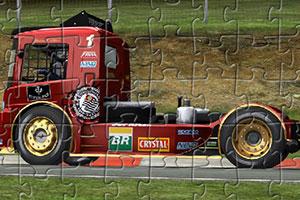 《行驶大卡车拼图》游戏画面1