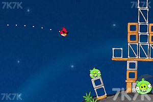 《愤怒的小鸟太空版HD》游戏画面7
