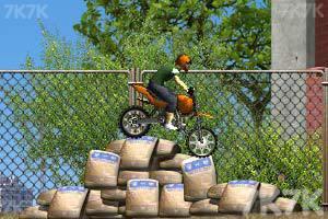 《摩托工地越野》游戏画面3