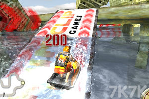 《3D极限摩托艇》游戏画面7