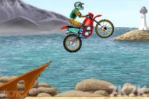 《摩托车特技赛》游戏画面5