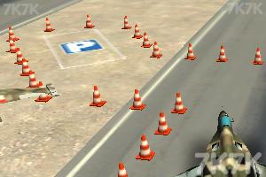 《战斗机停靠》游戏画面2