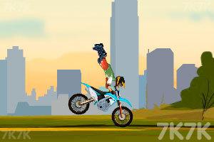 《越野摩托特技赛》游戏画面2