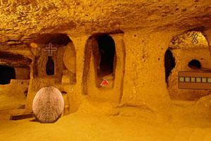 《原始洞穴逃生》游戏画面1
