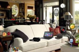 《客厅沙发上找物品》游戏画面1