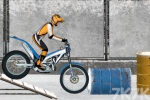 《冰上摩托车》游戏画面4